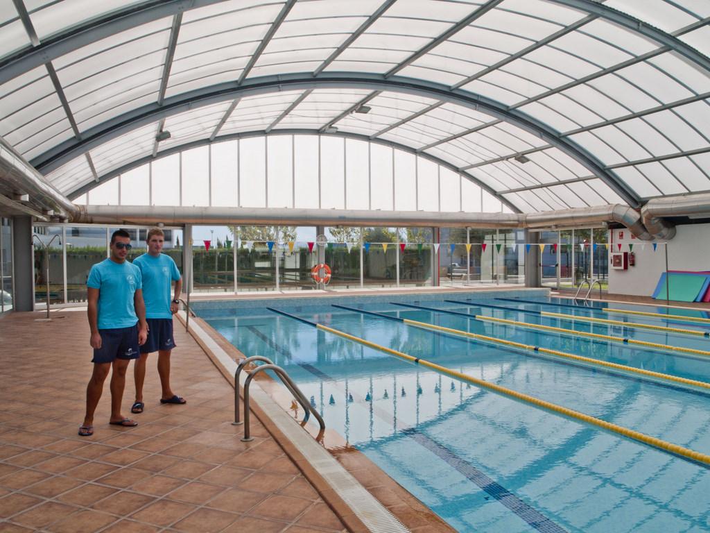 El ayuntamiento asume la gesti n del gimnasio y la piscina for Piscina y gimnasio